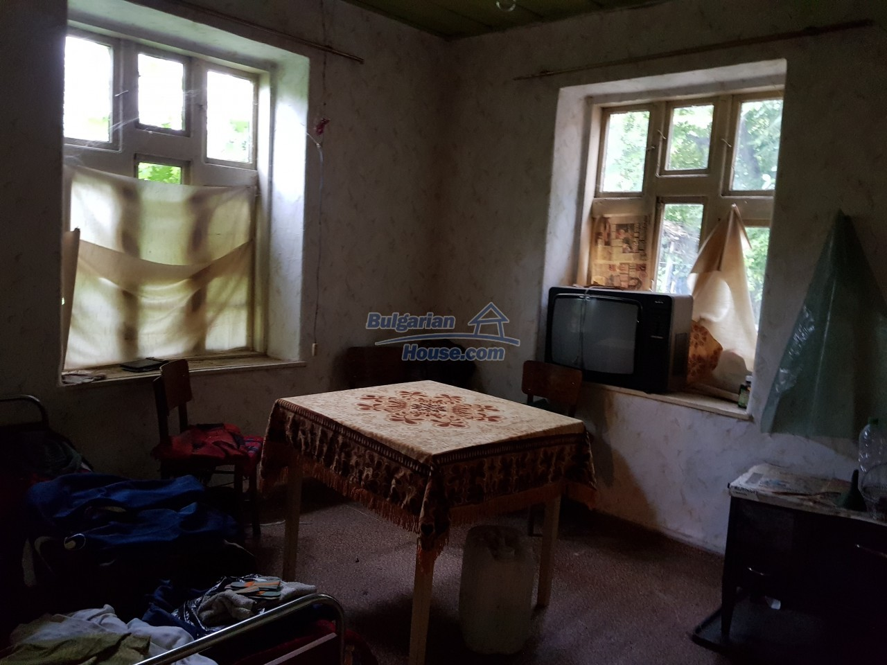 12670:20 - Village house for sale with garden of 8500sq.m near Targovishte