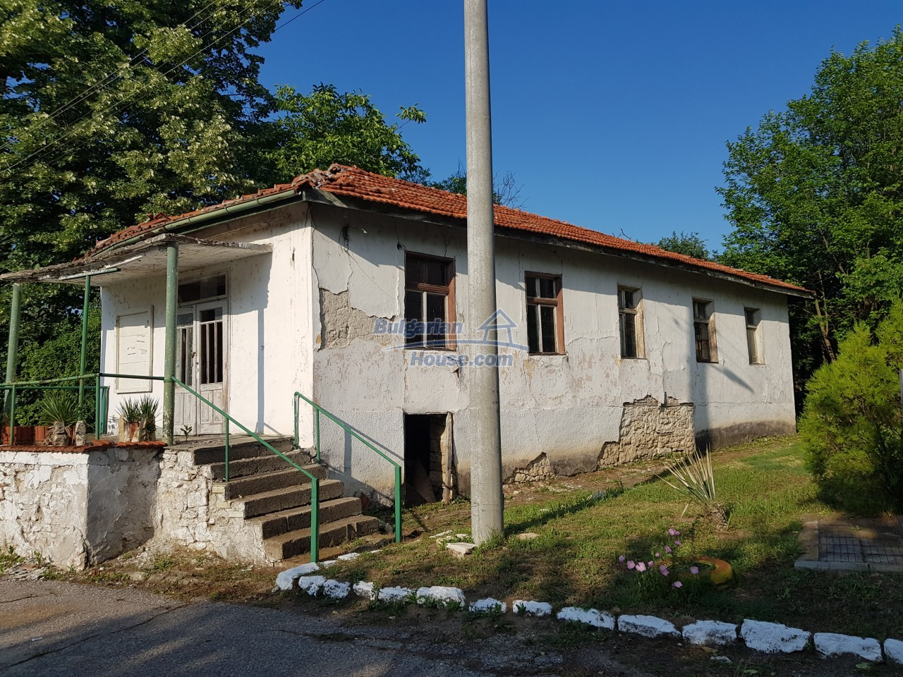 2774:29 - Former school for sale near Stara Zagora in Zlatna Livada