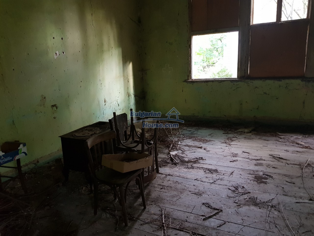 2774:42 - Former school for sale near Stara Zagora in Zlatna Livada