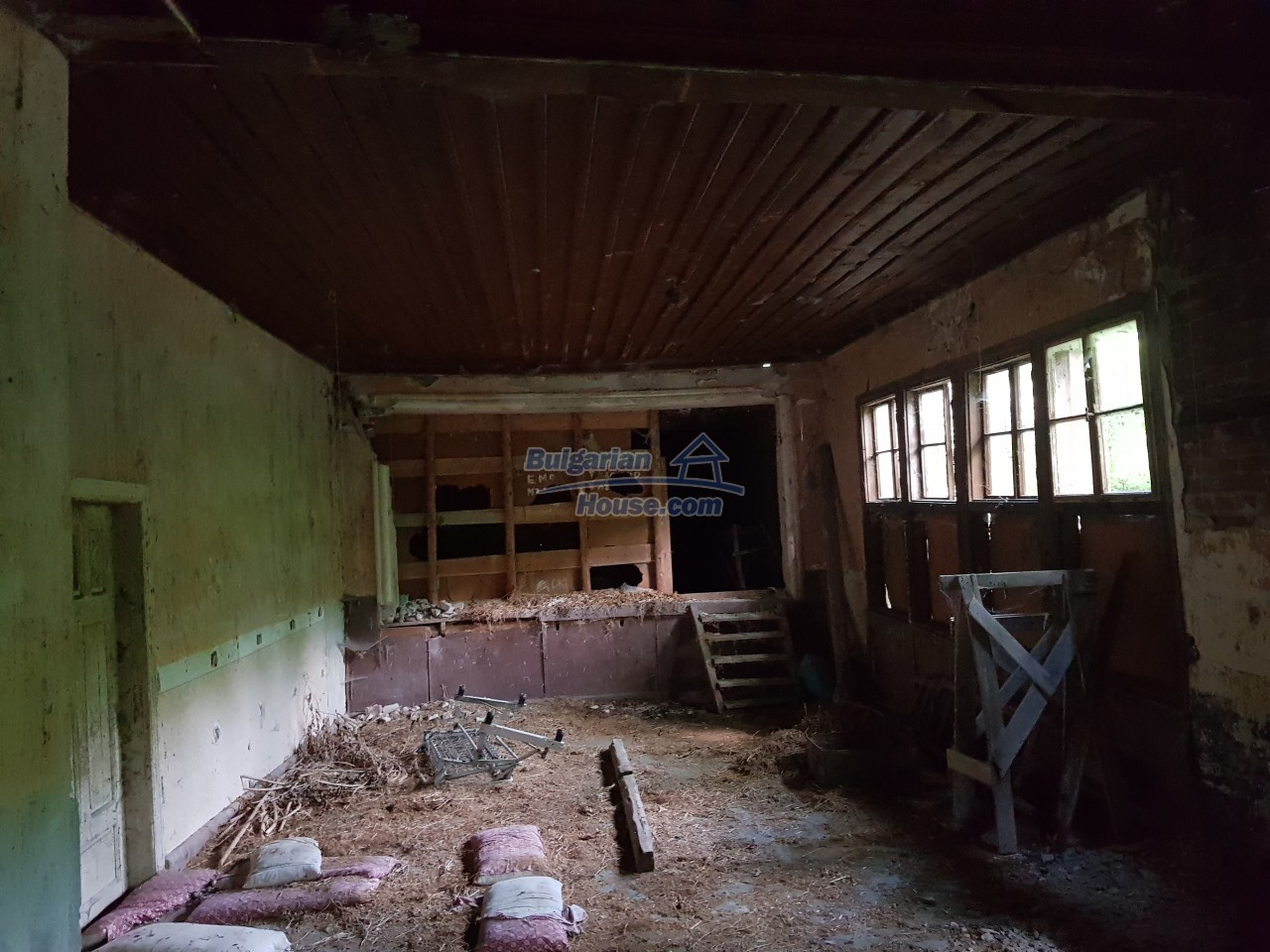 2774:53 - Former school for sale near Stara Zagora in Zlatna Livada