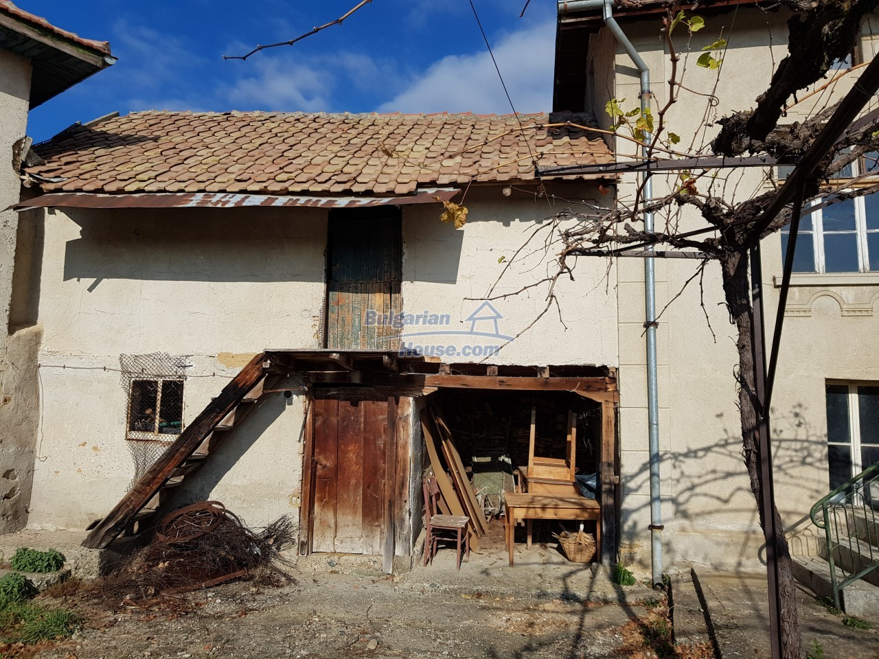 12323:8 - Partly renovated Bulgarian house - in Rose valley, Kazanlak