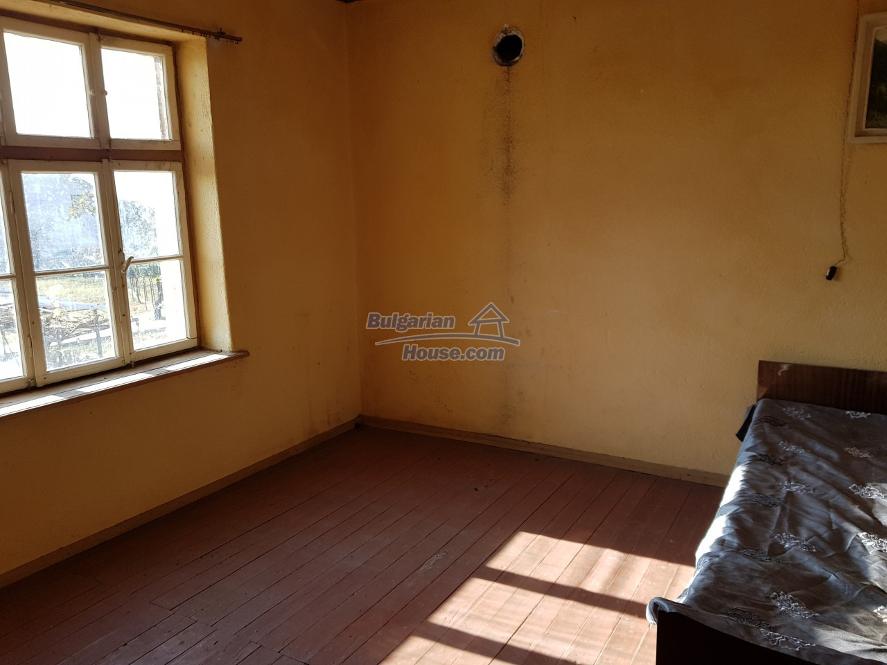 12323:30 - Partly renovated Bulgarian house - in Rose valley, Kazanlak