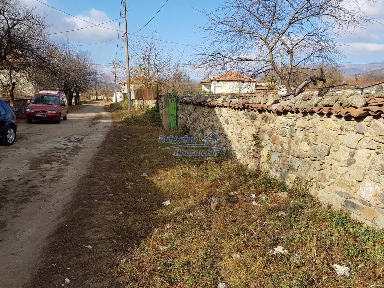 12323:42 - Partly renovated Bulgarian house - in Rose valley, Kazanlak