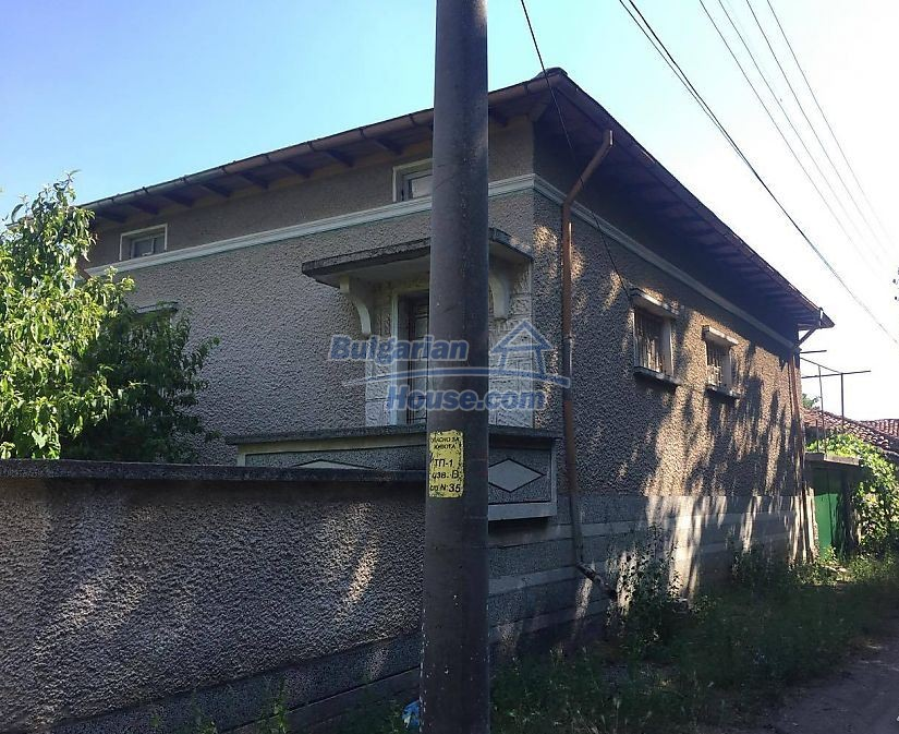 12530:1 - Cheap House between Plovdiv and Stara Zagora with vast garden