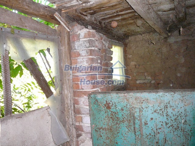 12530:17 - Cheap House between Plovdiv and Stara Zagora with vast garden