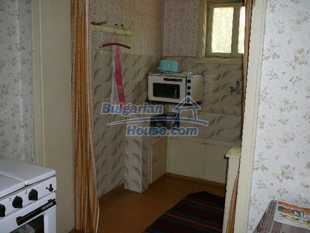 12530:37 - Cheap House between Plovdiv and Stara Zagora with vast garden