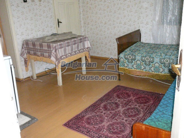 12530:34 - Cheap House between Plovdiv and Stara Zagora with vast garden