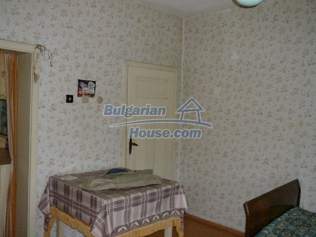 12530:36 - Cheap House between Plovdiv and Stara Zagora with vast garden