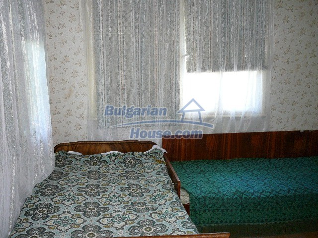 12530:40 - Cheap House between Plovdiv and Stara Zagora with vast garden
