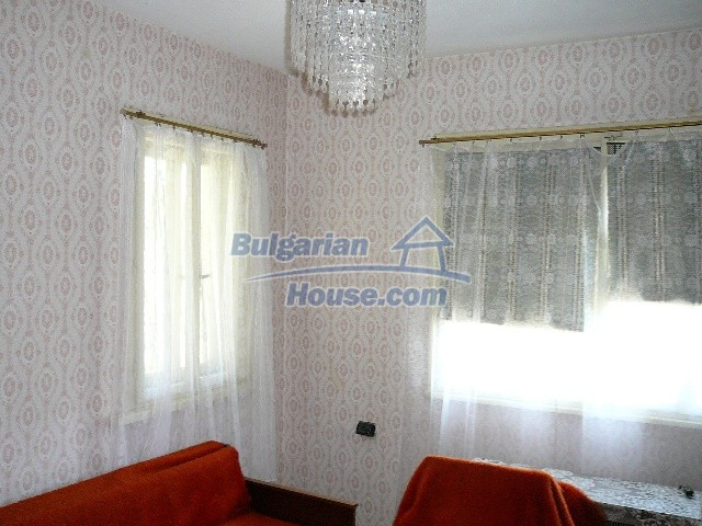 12530:48 - Cheap House between Plovdiv and Stara Zagora with vast garden