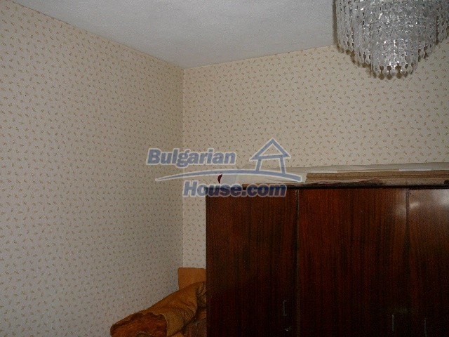 12530:46 - Cheap House between Plovdiv and Stara Zagora with vast garden