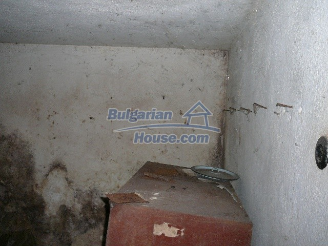 12530:63 - Cheap House between Plovdiv and Stara Zagora with vast garden