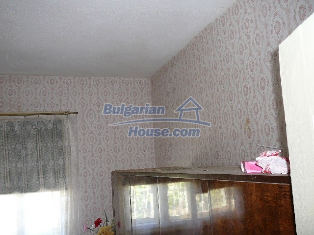 12530:49 - Cheap House between Plovdiv and Stara Zagora with vast garden