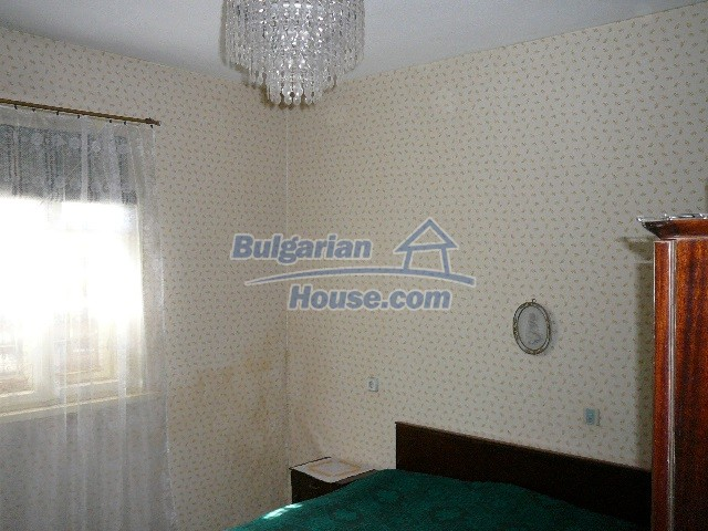 12530:43 - Cheap House between Plovdiv and Stara Zagora with vast garden