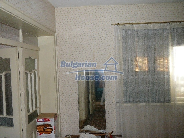 12530:44 - Cheap House between Plovdiv and Stara Zagora with vast garden