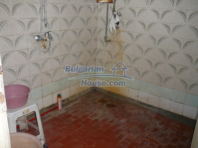 12530:50 - Cheap House between Plovdiv and Stara Zagora with vast garden