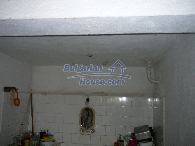 12530:66 - Cheap House between Plovdiv and Stara Zagora with vast garden