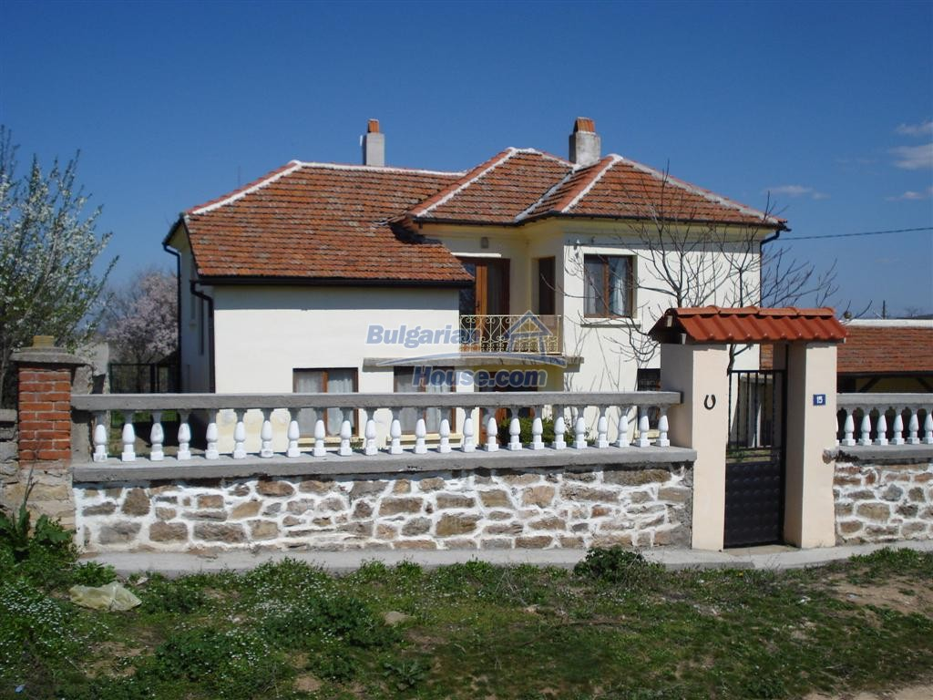12613:5 - Big house for sale after complete renovation in the village of L