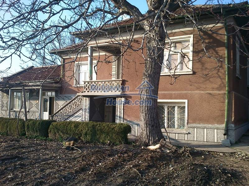 11819:2 - Sunny spacious house in Stara Zagora region