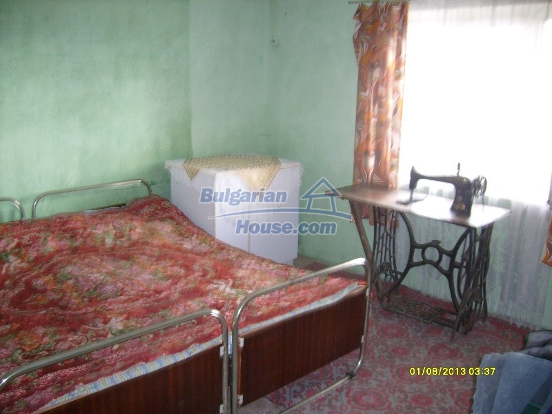11819:17 - Sunny spacious house in Stara Zagora region