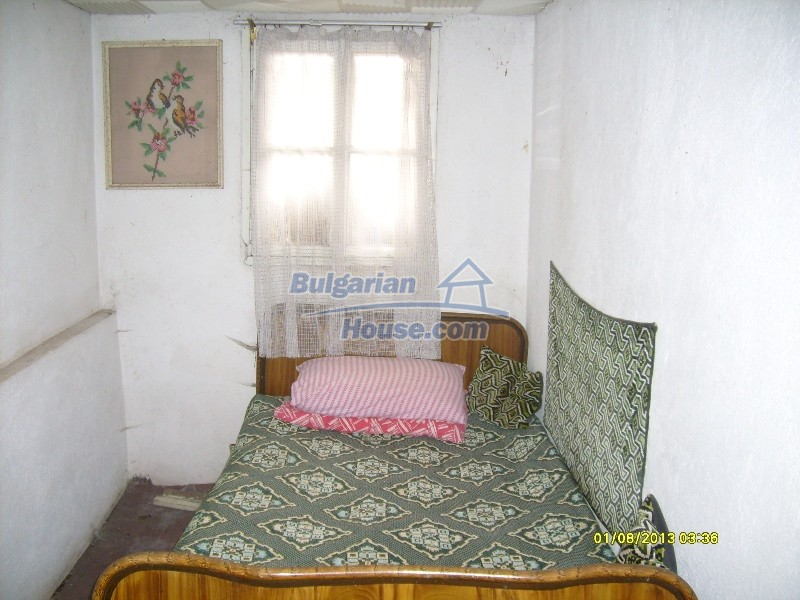 11819:16 - Sunny spacious house in Stara Zagora region