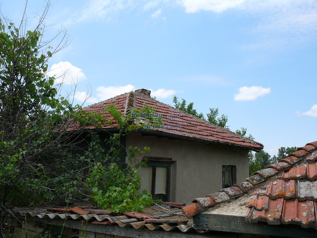 11515:1 - Cheap rural house with an extensive gardengreat investment