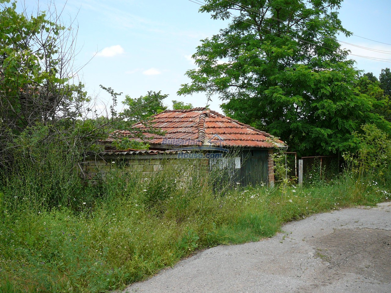 11515:3 - Cheap rural house with an extensive gardengreat investment