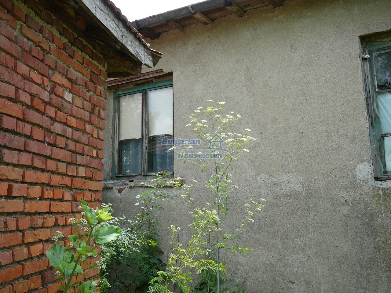 11515:9 - Cheap rural house with an extensive gardengreat investment