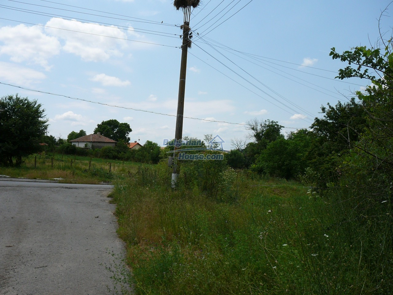 11515:10 - Cheap rural house with an extensive gardengreat investment
