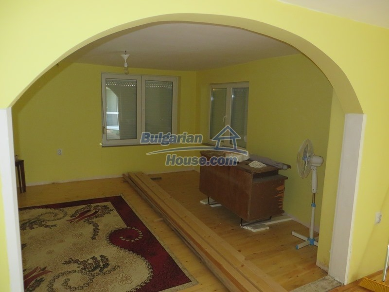 12592:10 - Partly renovated 3 bedrooms house 24 km from Veliko Tarnovo