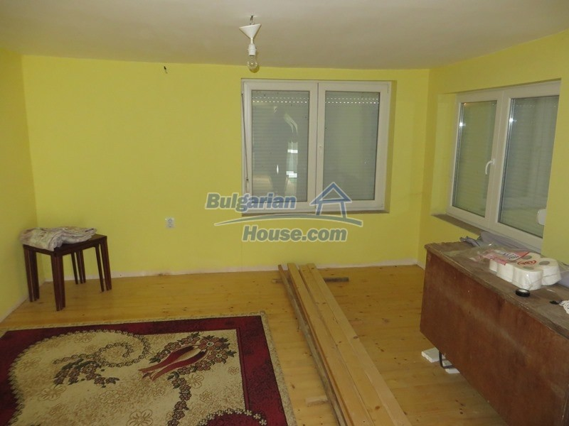 12592:4 - Partly renovated 3 bedrooms house 24 km from Veliko Tarnovo