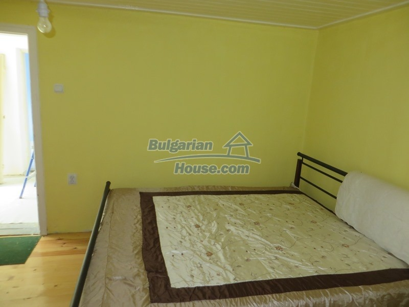 12592:12 - Partly renovated 3 bedrooms house 24 km from Veliko Tarnovo