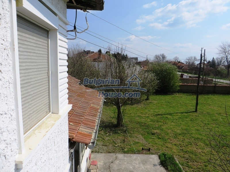 12592:19 - Partly renovated 3 bedrooms house 24 km from Veliko Tarnovo
