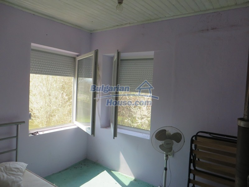 12592:26 - Partly renovated 3 bedrooms house 24 km from Veliko Tarnovo