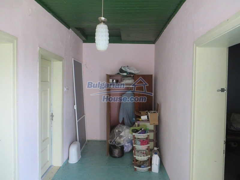 12592:20 - Partly renovated 3 bedrooms house 24 km from Veliko Tarnovo