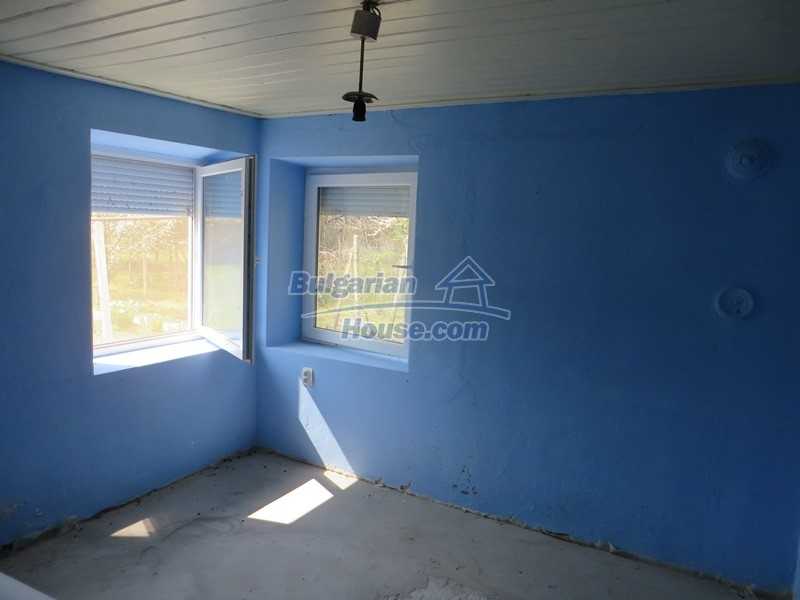 12592:14 - Partly renovated 3 bedrooms house 24 km from Veliko Tarnovo