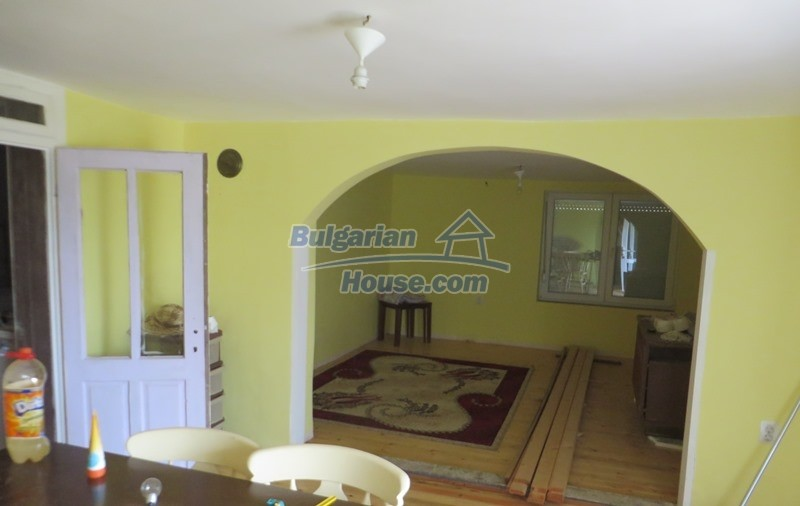 12592:15 - Partly renovated 3 bedrooms house 24 km from Veliko Tarnovo