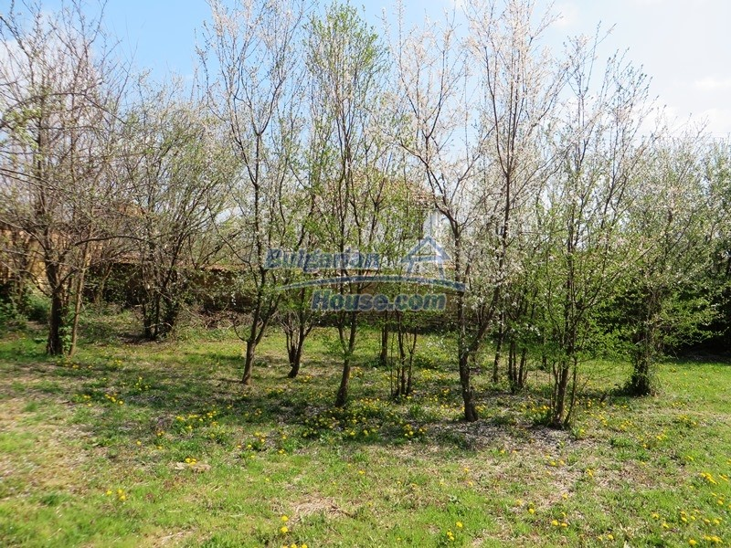 12592:36 - Partly renovated 3 bedrooms house 24 km from Veliko Tarnovo