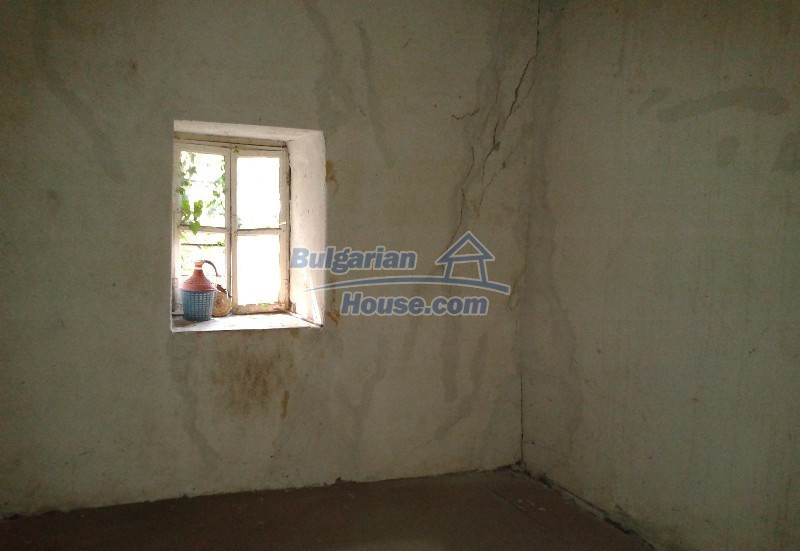 12332:3 - Two storey Bulgarian property near Plovdiv