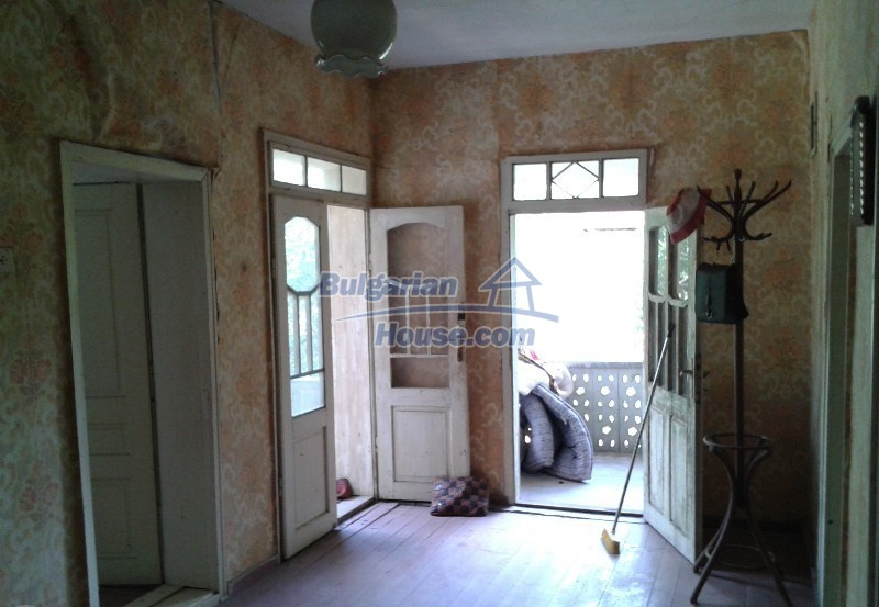 12332:4 - Two storey Bulgarian property near Plovdiv