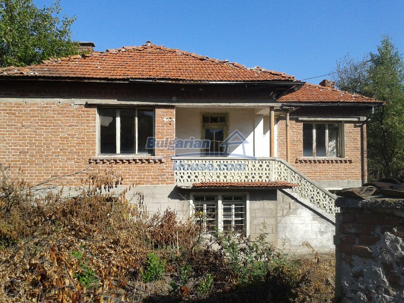 12332:9 - Two storey Bulgarian property near Plovdiv