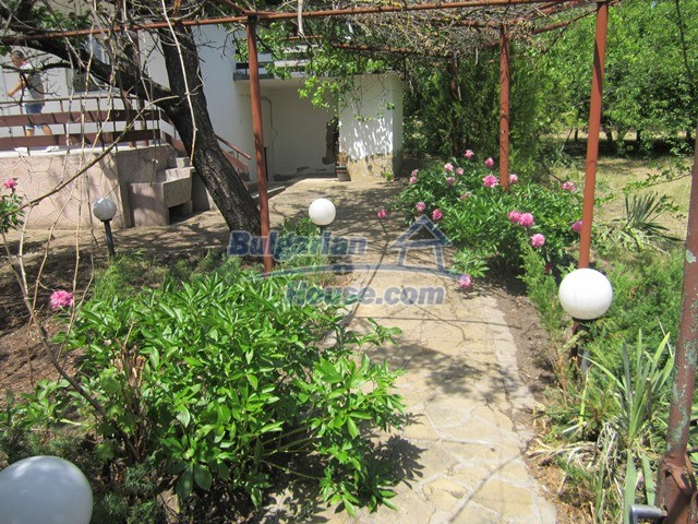 11099:4 - Renovated rural house with landscaped garden, Targovishte region