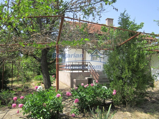 11099:20 - Renovated rural house with landscaped garden, Targovishte region