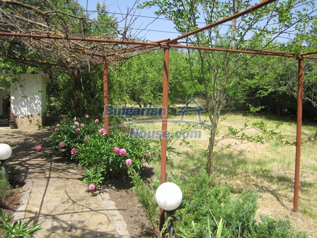 11099:32 - Renovated rural house with landscaped garden, Targovishte region