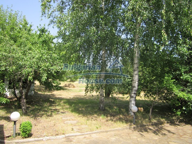 11099:29 - Renovated rural house with landscaped garden, Targovishte region