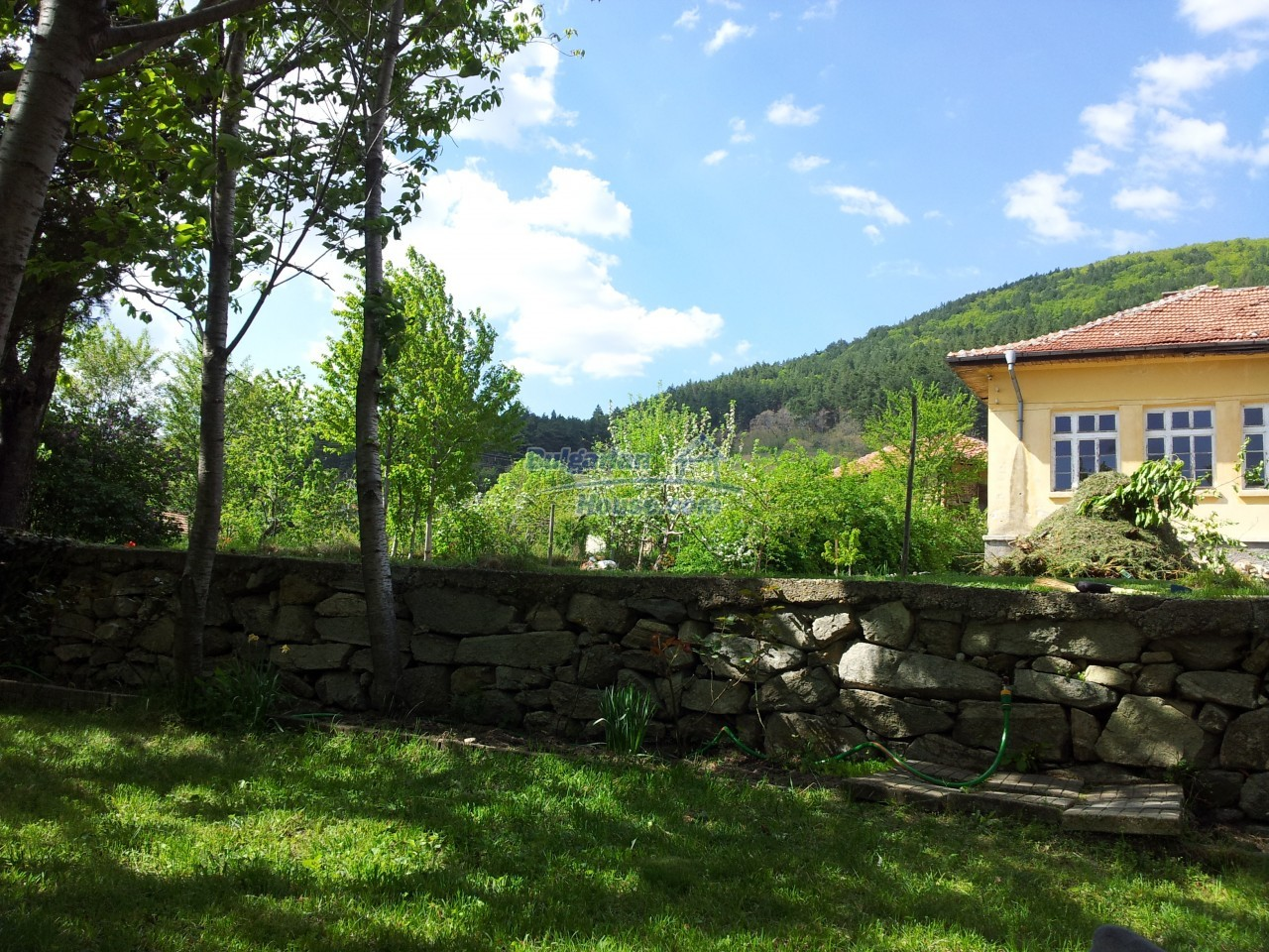 10431:3 - Fascinating Bulgarian property for sale near Kazanlak
