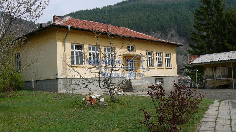 10431:2 - Fascinating Bulgarian property for sale near Kazanlak