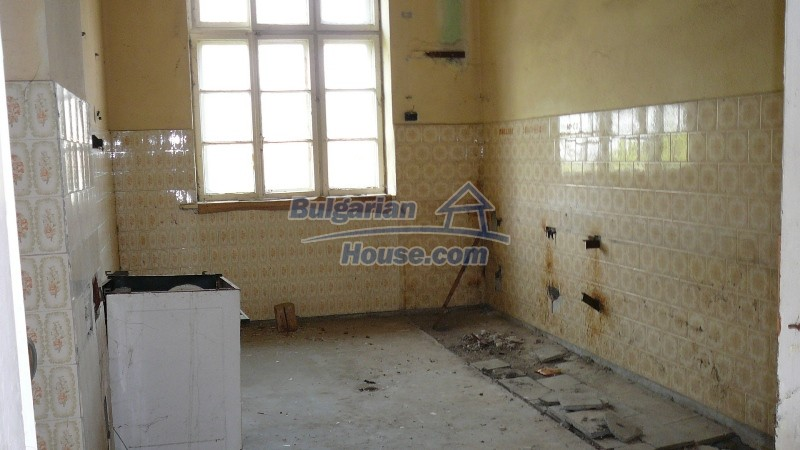 10431:51 - Fascinating Bulgarian property for sale near Kazanlak