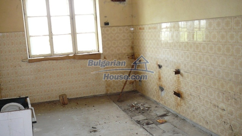 10431:56 - Fascinating Bulgarian property for sale near Kazanlak