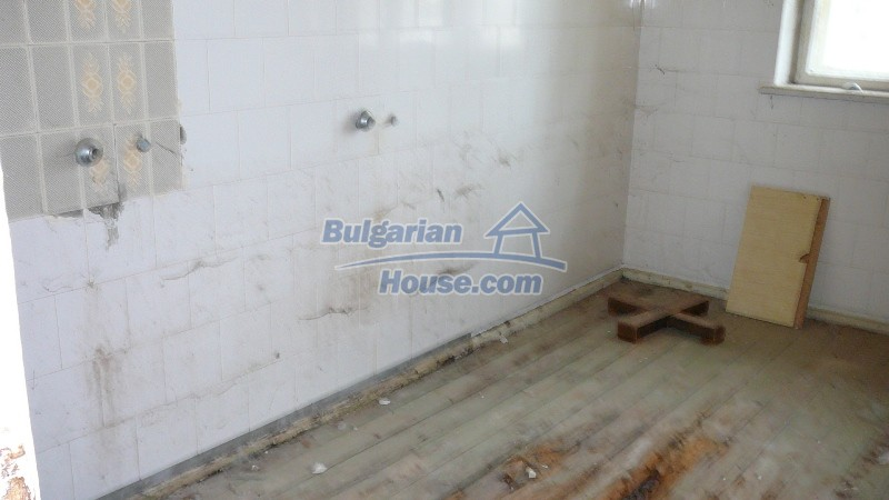 10431:46 - Fascinating Bulgarian property for sale near Kazanlak